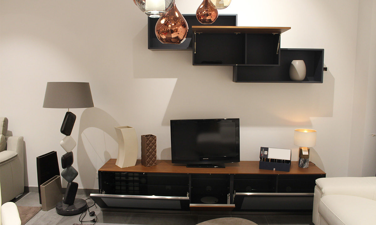 ENSEMBLE TV SYSTÈME ACTIVE DOOR // CATANE 3