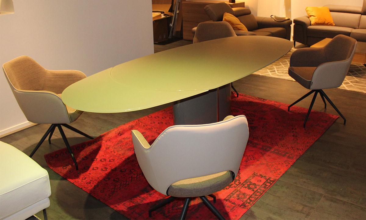 TABLE DE REPAS EXTENSIBLE EN VERRE // PISE 3