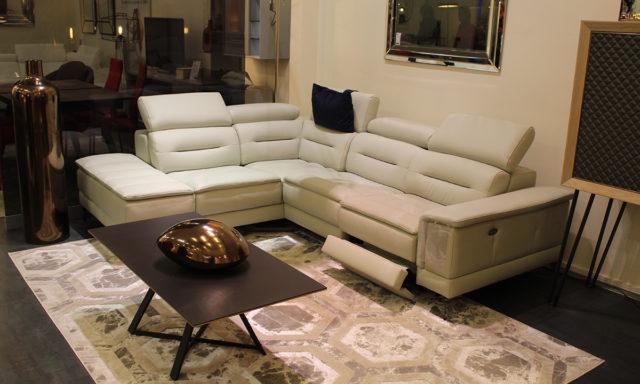 Canapé angle cuir relax méridienne à gauche vue de face LAMEZIA - Ste Geneviève (91700)
